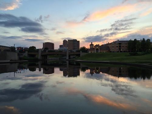 plaza city sunset skyline clouds midtown kansascity brushcreek iphone august9