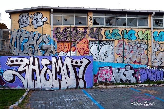 Roma. Magliana. Graffiti by Shemo, TadhBoy, Selet, NTHG and...