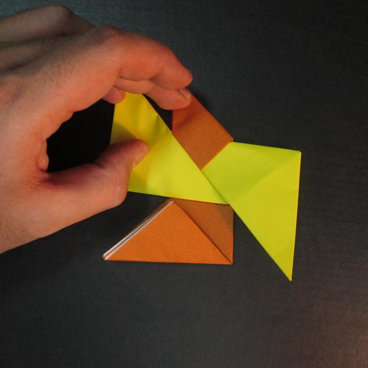 สอนวิธีพับกระดาษเป็นดาวกระจายนินจา (Shuriken Origami) - 010