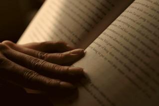 Speed reading   by Akshay Hallur