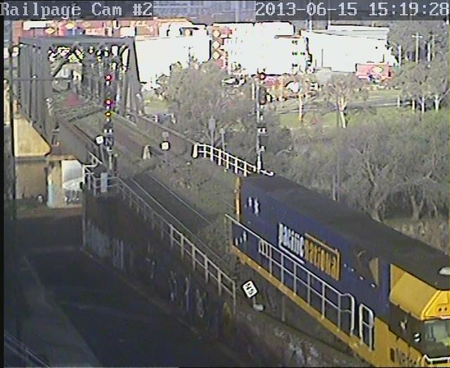 NR116 light engine via triangle to reverse the loco 15-6-2013 by Railpage Bunbury Street