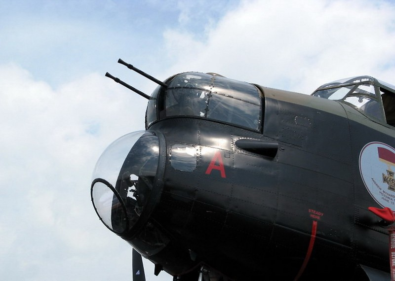 Avro Lancaster B (2)
