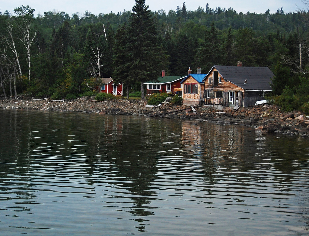 Rustic Cabin on the Lake