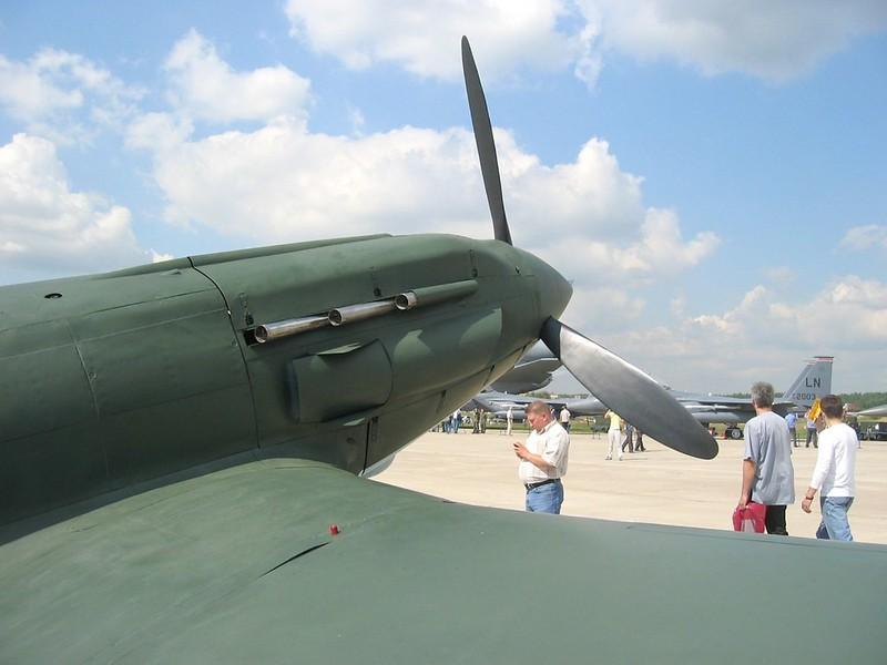 MiG-3 8