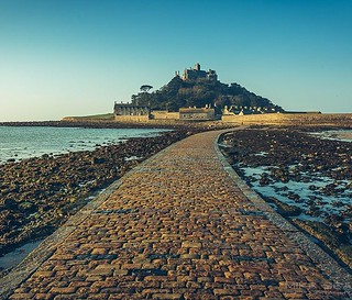 The joys of an early morning start. Not quite at dawn at St Michael's mount but early enough for me! #cornwallcoast #cornwalldawn #cornwall #stmichaelsmount #canon #lovecornwall #swisbest #sea #beach #causeway #mountsbay #marazion | by Play of light