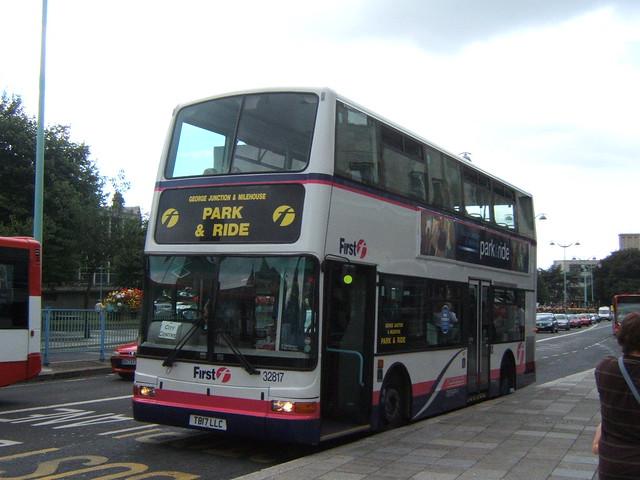 32817 - First Devon & Cornwall Plymouth August 2006