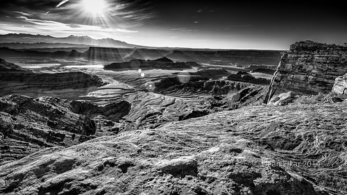 park shadow sky cliff sun white black mountains southwest monochrome sunrise landscape dawn utah twilight sandstone rocks unitedstates desert canyon ledge deadhorsepoint canyonlands flare moab rays geology mesa lasal stateparks deadhorsestatepark