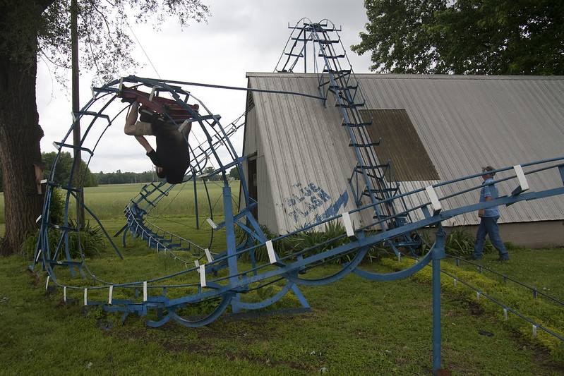 Blue Flash, a homemade looping roller coaster