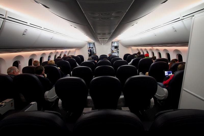 Boeing 787-8 Dreamliner – Jetairfly (TUI Airlines Belgium) – OO-JDL – Brussels Airport (BRU EBBR) – 2013 12 08 – Parked – 11 – Copyright © 2013 Ivan Coninx Photography