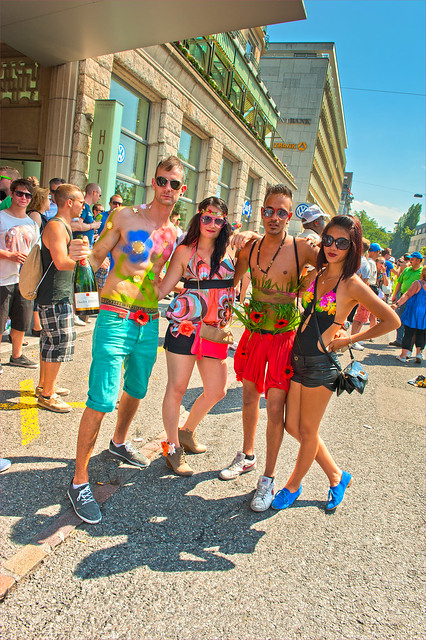 Body painting for boys. Zurich Street Parade 2012. No. 5469.