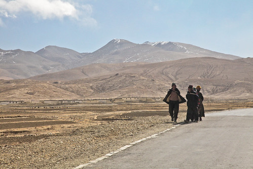 Tibetan Countryside Between Shigatse And Sakya South Tib