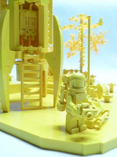 Monocromatic build - the Explorer