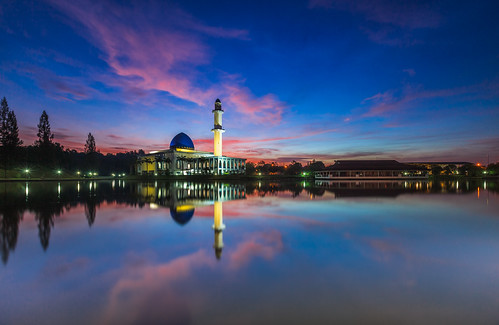 reflection beautiful canon mirror colorful peace muslim mosque calm malaysia slowshutter bluehour islamic singleexposure singhray 5dmarkii 1635f28mk2