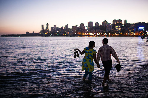 sunset sea india beach skyline night couple walk bombay romantic mumbai chowpatty girgaum
