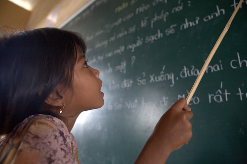 Language barrier might widen gaps in learning | by World Bank Photo Collection