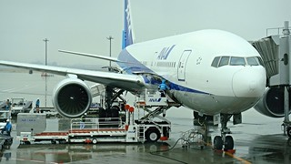 ANA Boeing 777-200, Tokyo International Airport, Haneda | by David McKelvey