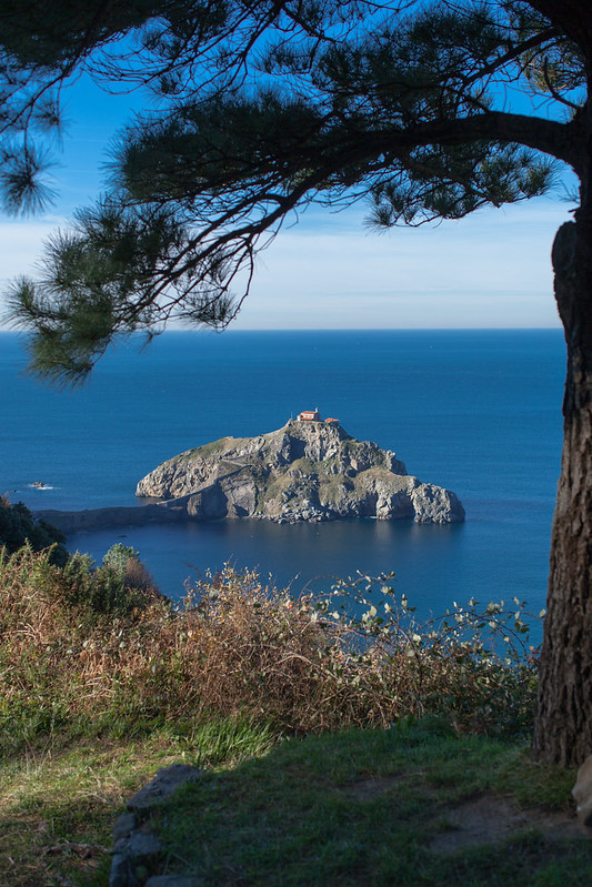 https://www.twin-loc.fr Gaztelugatxe euskadi photo image picture espagne spain ile island