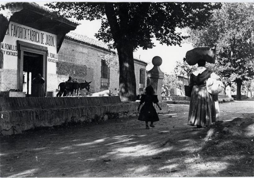 Paseo de la Rosa hacia 1910 (c) Fondo Rodríguez, JCCM Signatura PA-CAJA3-27