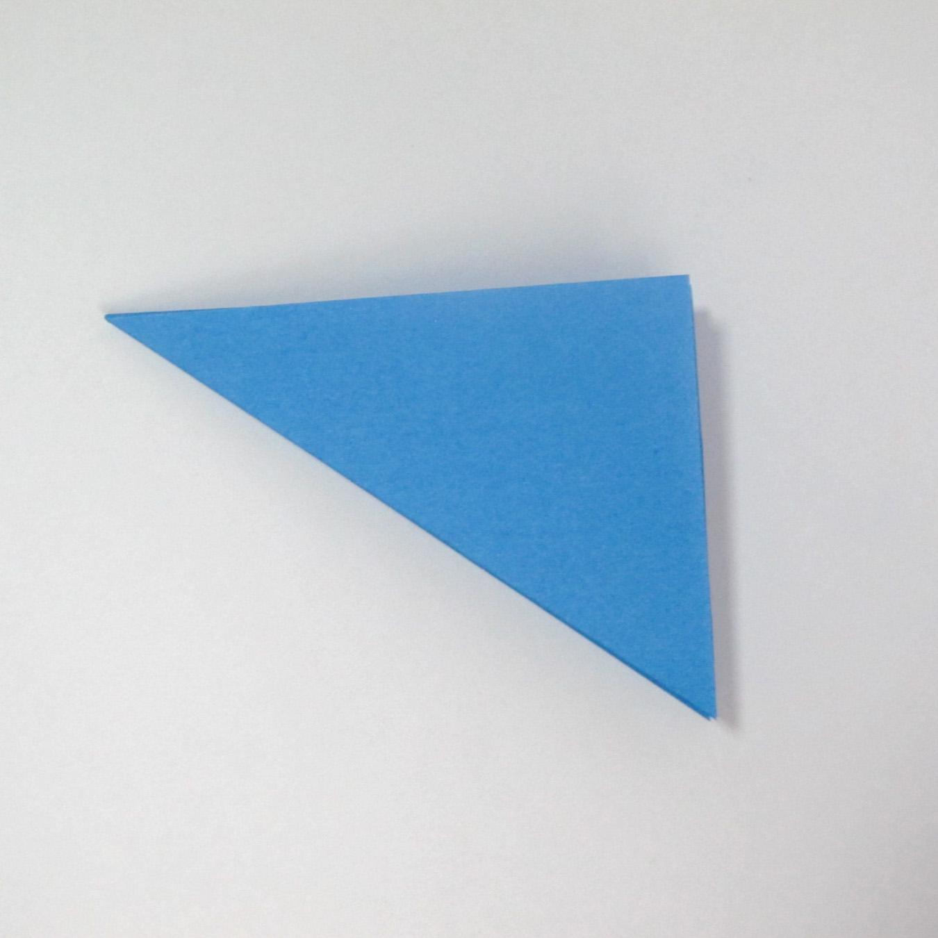 วิธีการตัดกระดาษเป็นห้าเหลี่ยมจากกระดาษสี่เหลี่ยมจตุรัส 002