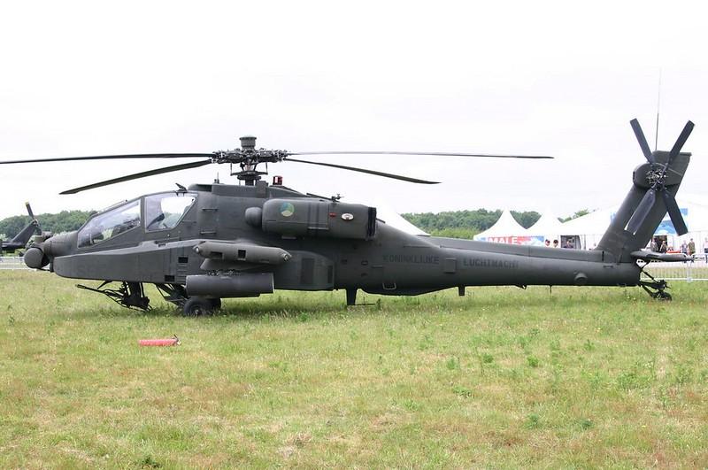 Boeing Apache AH-64D 1