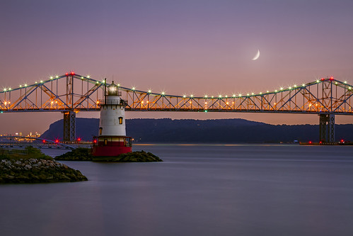 park new york longexposure travel bridge sunset red sky people usa cloud moon lighthouse ny newyork color water architecture night america canon river landscape outdoors photography lights us photo twilight scenery view unitedstates sundown image dusk famous tripod smooth scenic peaceful tranquility zee structure crescent safety tappan transportation historical hudson bluehour connection waxing starburst waterscape tappanzee sleepyhollow tarrytown kingslandpoint clearevening ef70200mmf28lisiiusm outstandingromanianphotographers