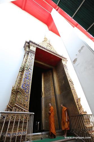 Wat Kalayanamitr - Bangkok | by ExpiqueTravel