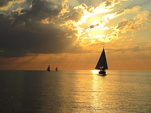 lake sailboat landscape sailing racing greatlakes regatta newyorkstate lakeontario byc hamlin brockportyachtclub