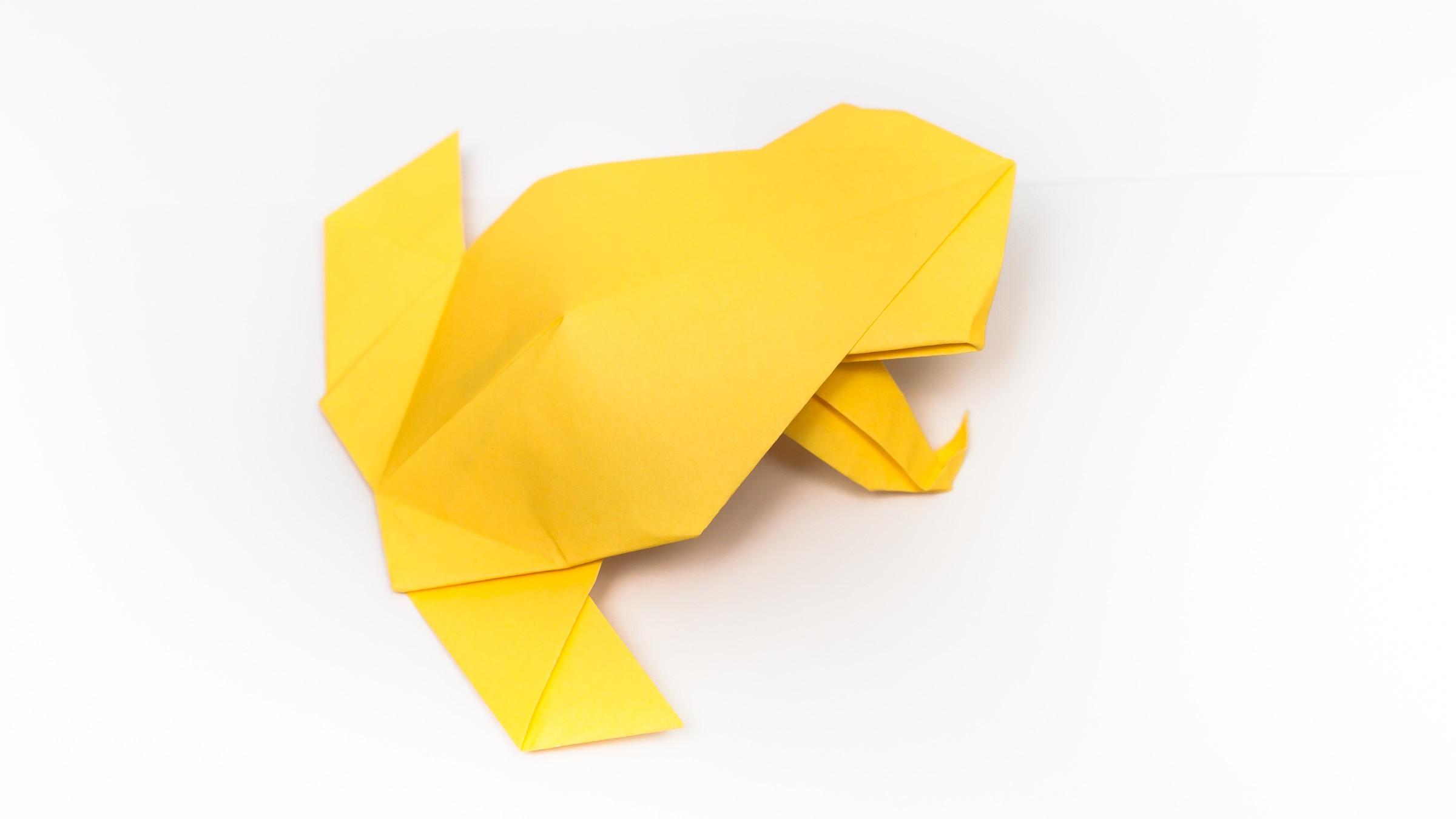 วิธีการพับกระดาษเป็นรูปกบสไตล์โคลับเบี้ยน (Origami Frog) 001
