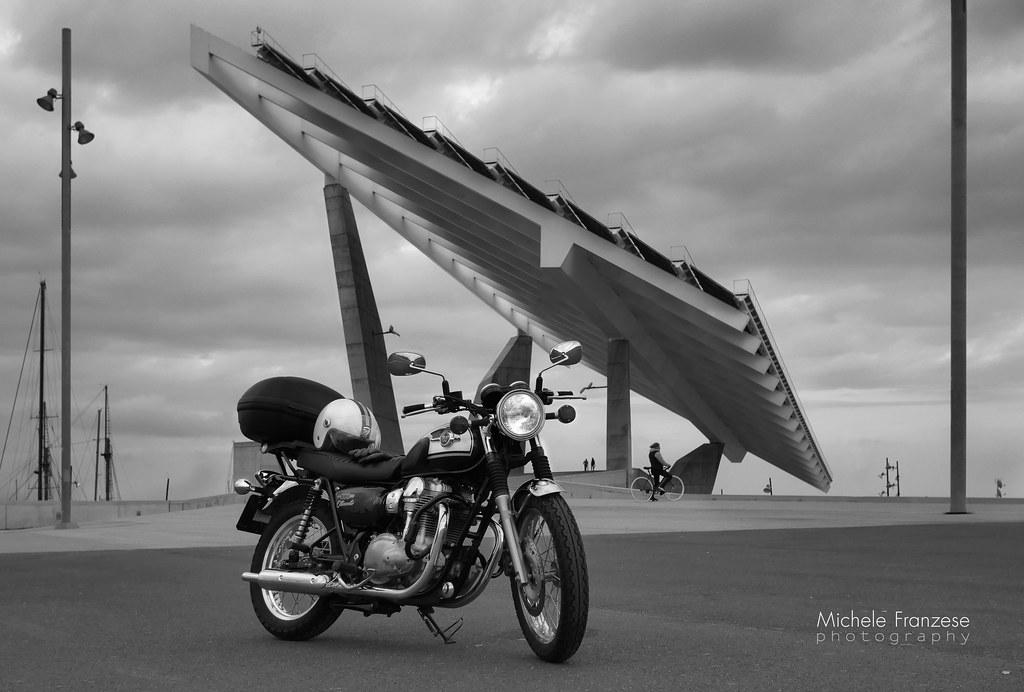 Kawasaki W800 Y El Parc Del Fòrum Barcelona Michele Franzese Flickr