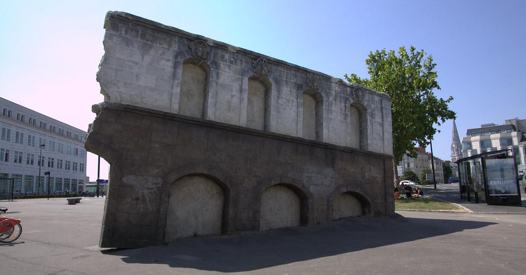 Les Artistes De La Compagnie De Théâtre De Rue Royal De L