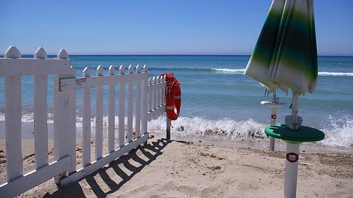red green blue beach sea 169 k5 pentax stefanorugolo