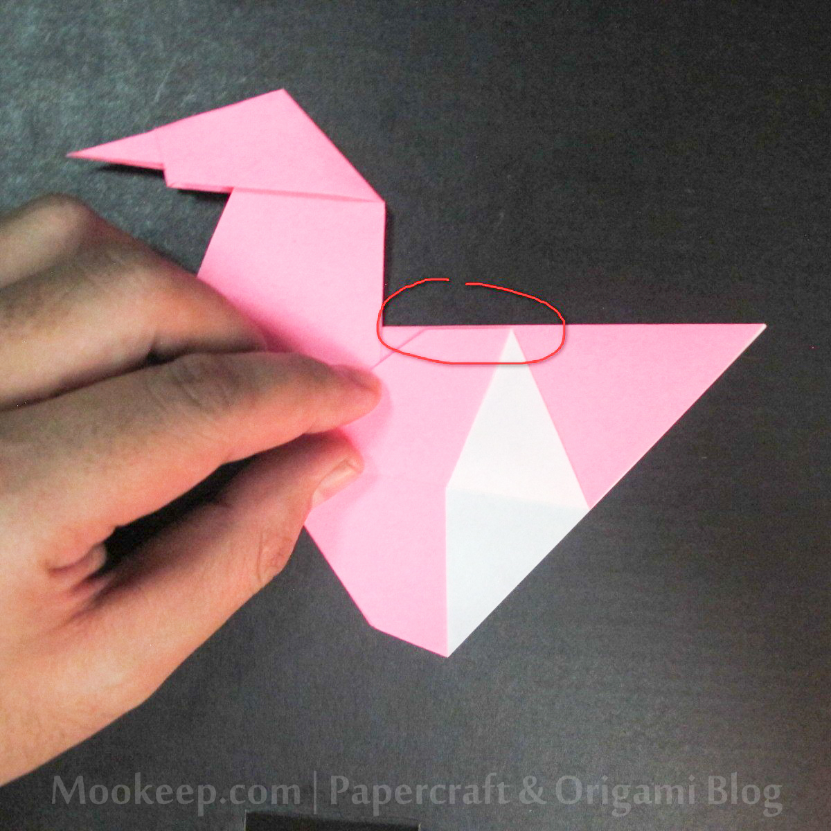 สอนวิธีการพับกระดาษเป็นรูปเป็ด (Origami Duck) - 021.jpg