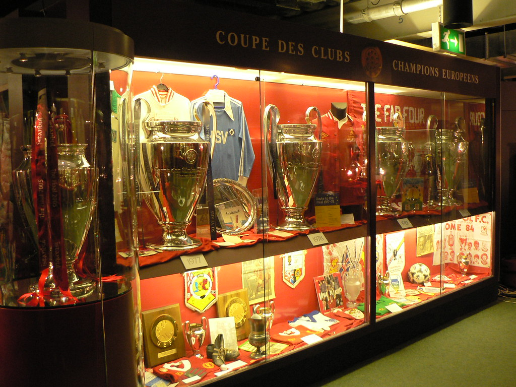 Liverpool Fc Trophy Room 5 X European Cup