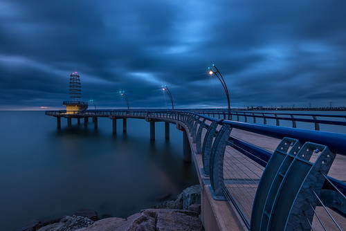 brant street pier burlington ontario longexposure clouds sky water landscape architecture outdoor blue