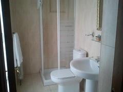 Baño. Hotel Los Laureles