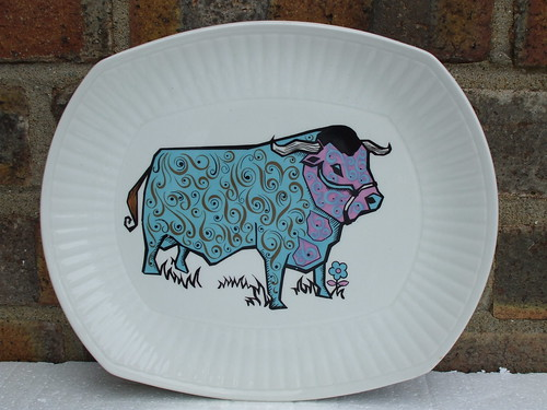 Retro 1970's Beefeater Psychedelic Cow Plate Staffordshire Pottery England