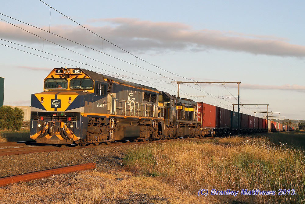 VL362-X31 with #9472 up Maryvale paper train at Hallam (30/12/2013) by Bradley Matthews