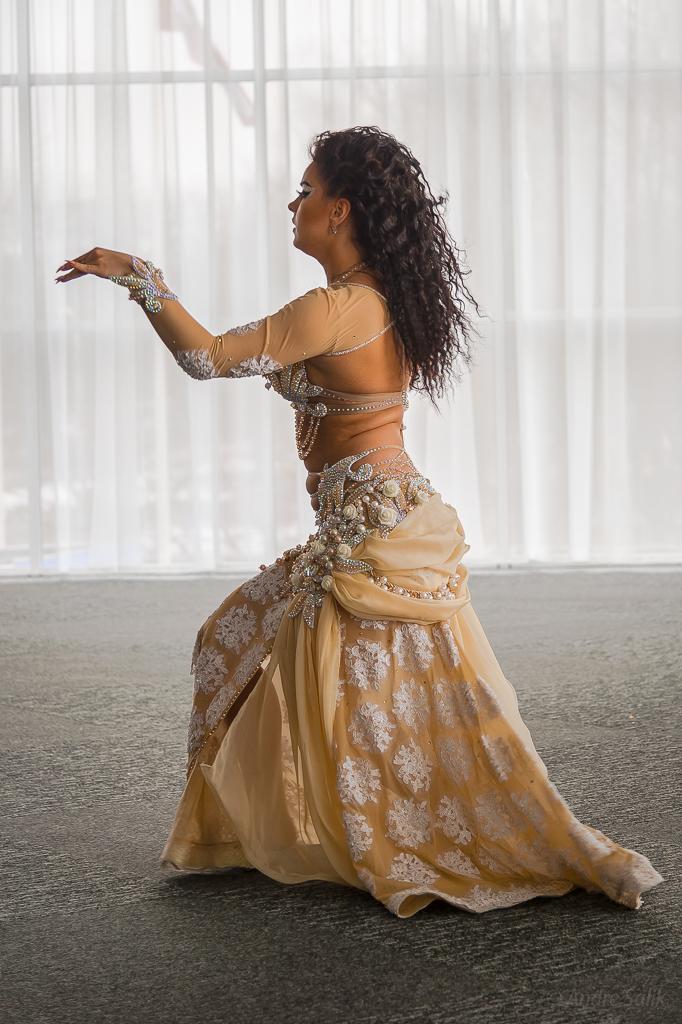 Beautiful dance! 14:00:52 DSC_8962