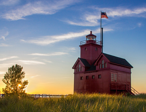 blue sunset red lighthouse seascape holland color building tree green tower beach grass yellow architecture landscape photography outdoor michigan flag ottawa august lakemichigan sunlit lighhouse watchtower bigred hollandstatepark westmichigan 2015 ottawacounty sigma1020 canon60d kevinpovenz