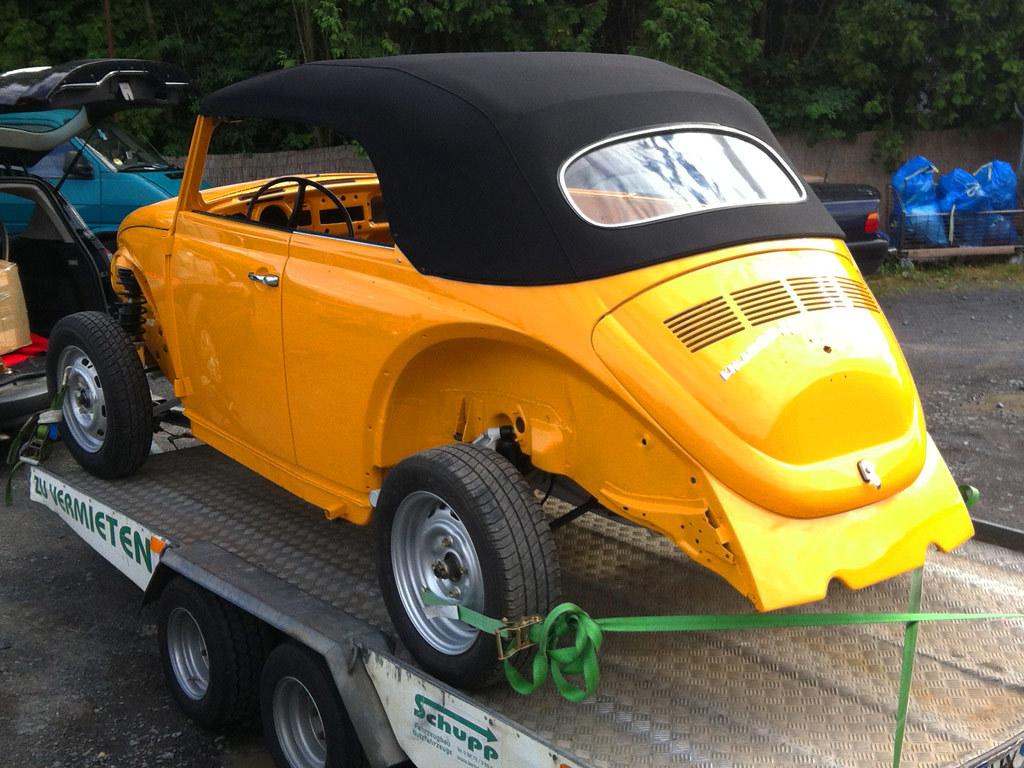 vw k fer cabrio 1500 1302 mit verdeck von ck cabrio flickr. Black Bedroom Furniture Sets. Home Design Ideas