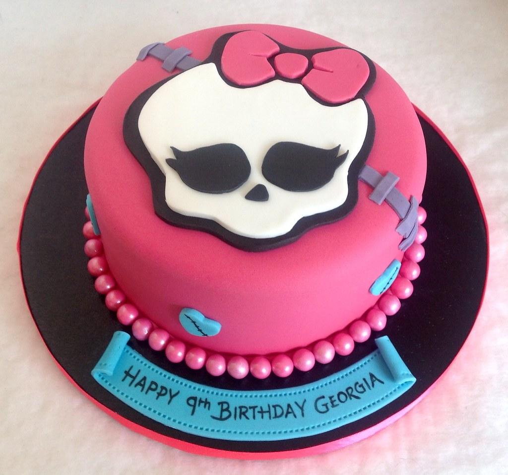 Sensational Monster High Birthday Cake Liz Flickr Funny Birthday Cards Online Fluifree Goldxyz