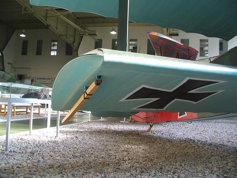 Fokker Dr.1 8