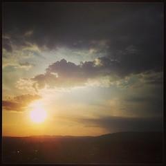 Schysst med fri utsikt mot sjunkande sol inte alls särskilt långt från Holmenkollen.