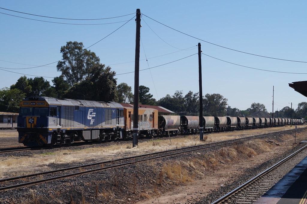 ARTC Ballast Train at Benalla by contrillion