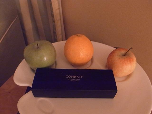 <p>フルーツとチョコレートは毎日持ってきてくれます</p>
