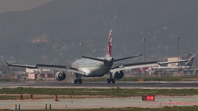 Qatar Airways A330-302 A7-AEC