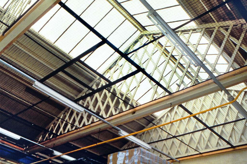 Handley Page aircraft factory, Chadderton, lattice truss c
