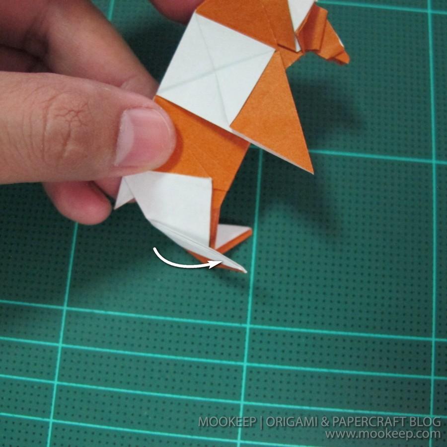 วิธีพับกระดาษเป็นรูปหมี (Origami Bear) 041