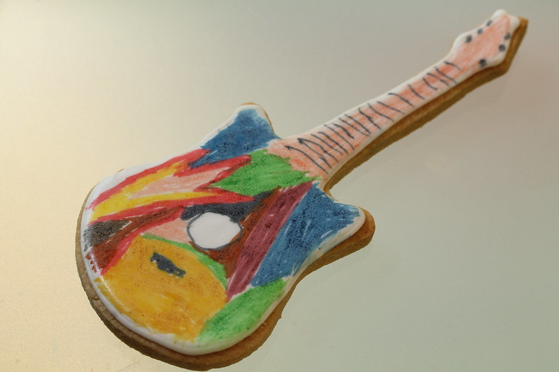 Decorate your own Guitar Biscuit of Rock