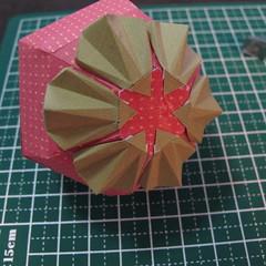 วิธีการทำโมเดลกระดาษเป็นสตอเบอรี่สีแดง 015
